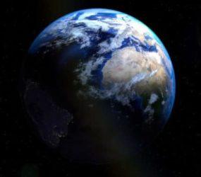 Desde hace 3 años la tierra tiene dos lunas y nadie se había dado cuenta