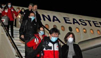 Chinos expertos en salud, llegan con toneladas de suministros para ayudar a Italia