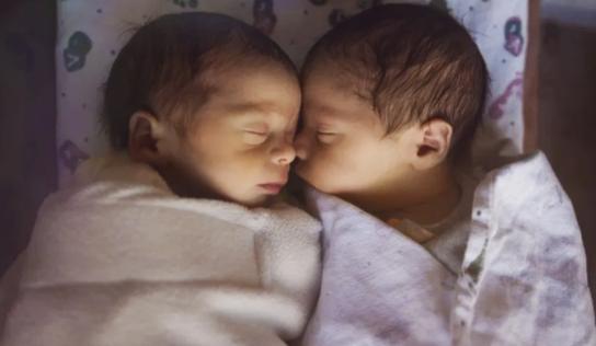 A sus 68 años, da a luz a gemelos tras 4 DÉCADAS intentando ser madre