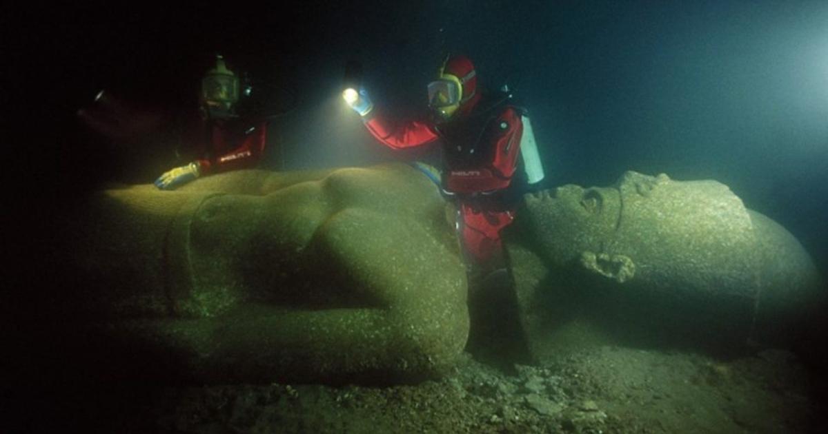 Encuentran tesoro en un antiguo templo en ciudad egipcia bajo el agua