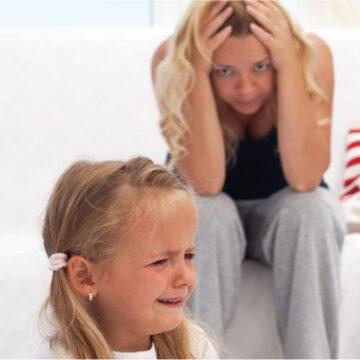 El motivo por el cuál tu hijo se porta peor cuando está contigo