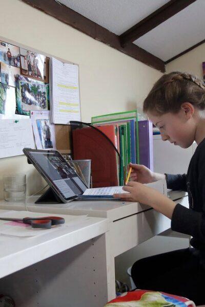 Niña de 12 años sufre derrame cerebral por la demanda de las clases virtuales
